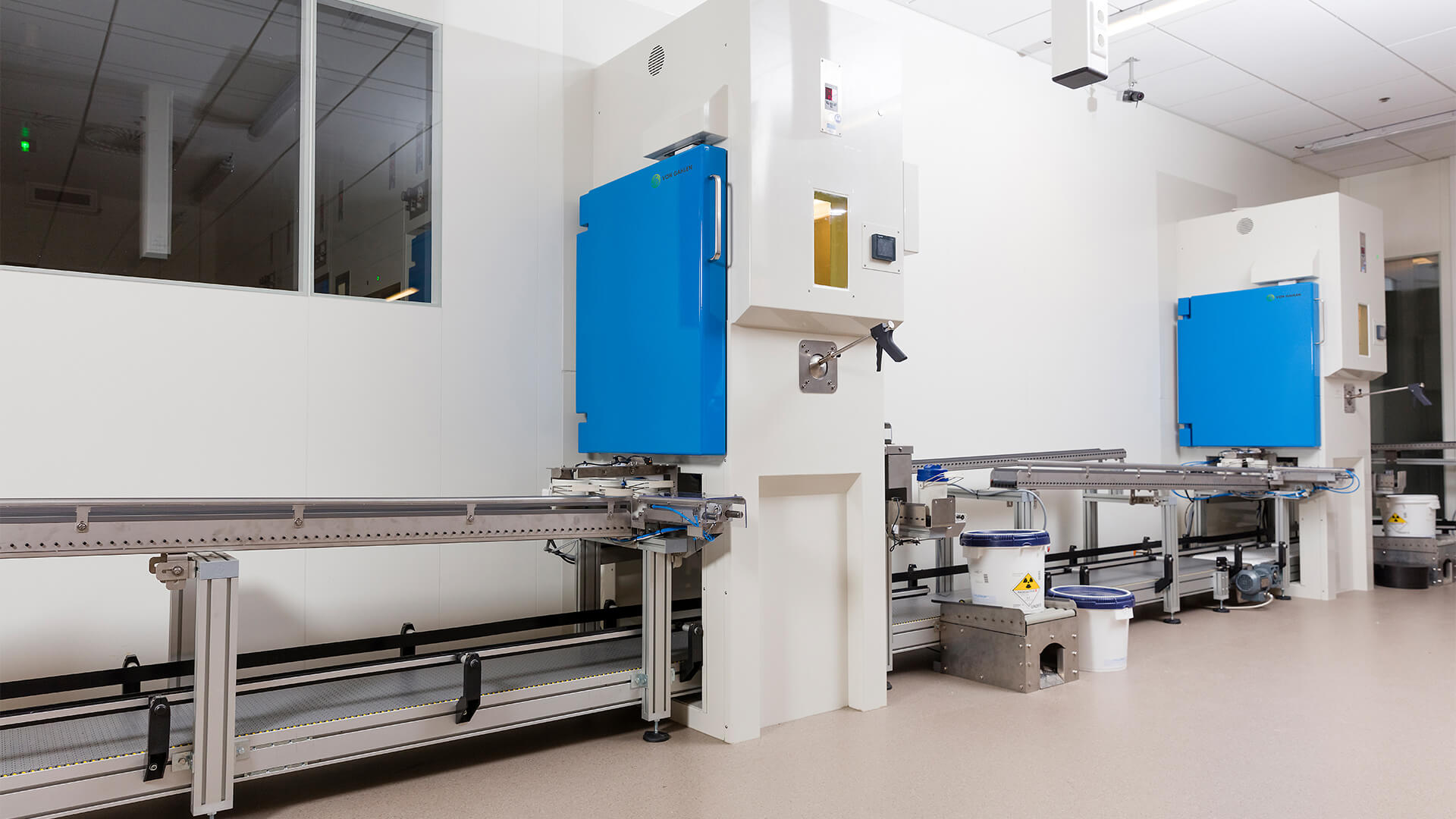 At the back of the hot cells the output, packaging and further transportation of PET radiopharmaceuticals and Zr-89 (Zirconium-89) takes place.