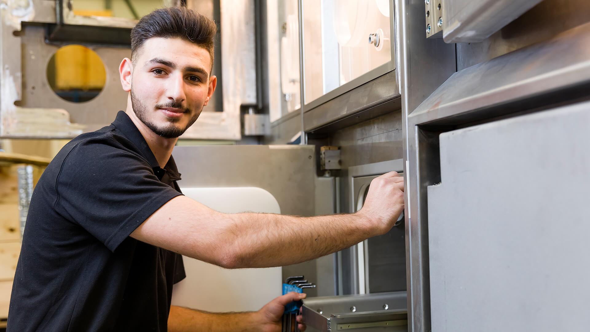 Syrische Adel Al Res leert en werkt bij Von Gahlen